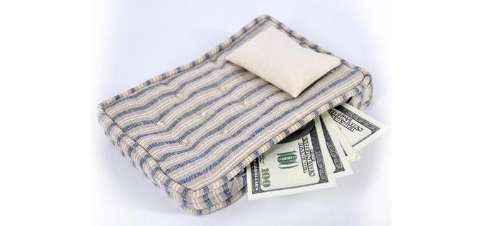 деньги в матрац